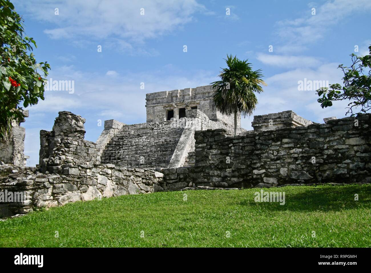 White stone Mayan ruins in Mexico - Stock Image