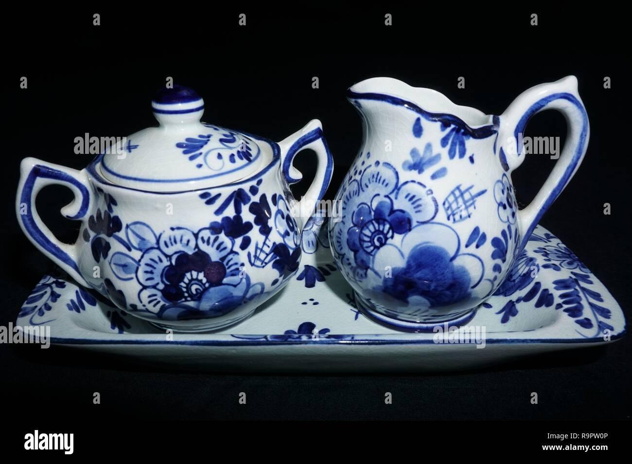 Delft Art Pottery Precise Vintage Delft Blue Holland Dutch Tea Light Children Holding Hands