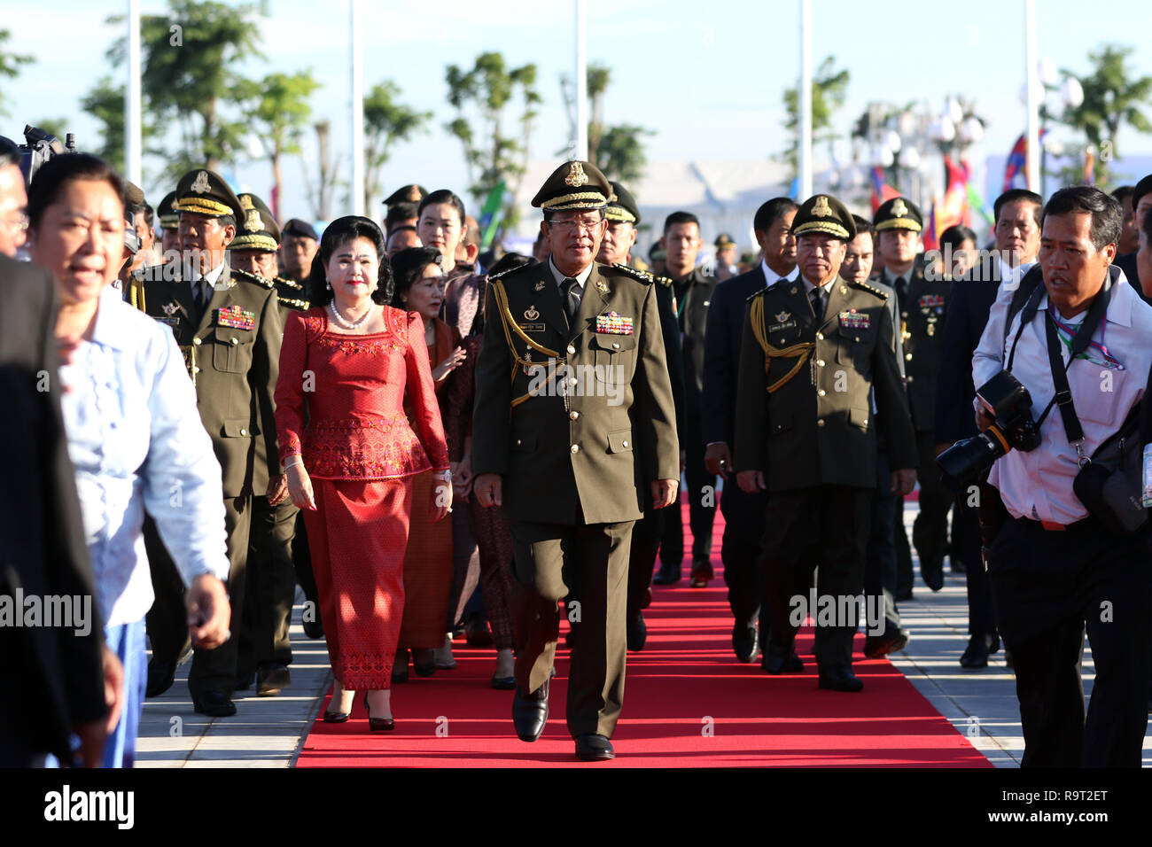 Phnom Penh, Cambodia. 29th Dec, 2018. Cambodian Prime Minister Samdech Techo Hun Sen (C, front) attends an event marking the 20th anniversary of the end of civil war in Phnom Penh, Cambodia, on Dec. 29, 2018. Cambodia on Saturday commemorated the 20th anniversary of the end of civil war, vowing to use all necessary means to continue protecting the country's hard-earned peace. Credit: Sovannara/Xinhua/Alamy Live News - Stock Image