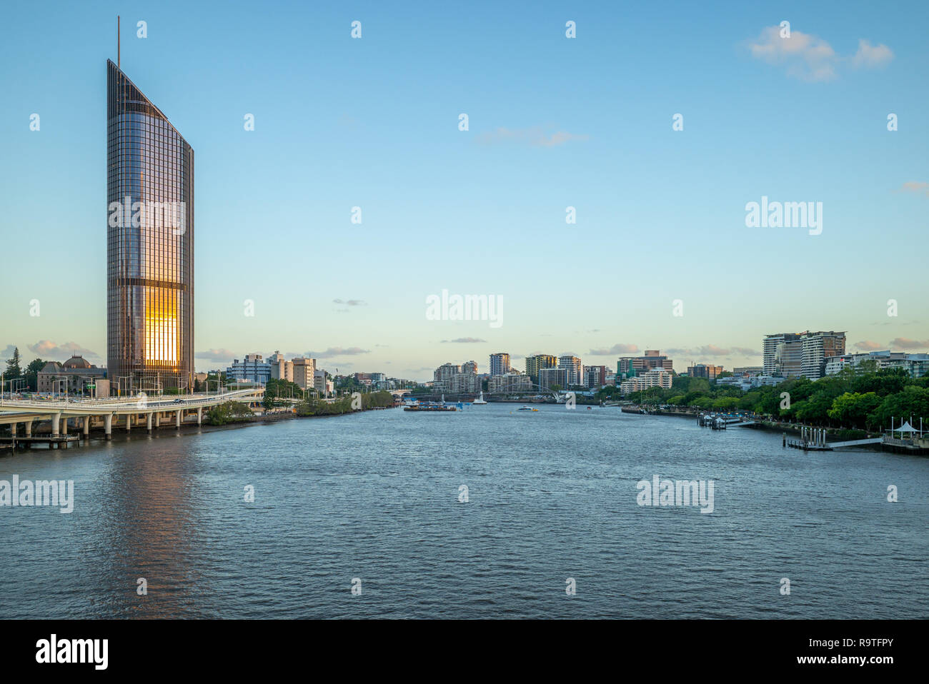 skyline of brisbane city by the brisbane river - Stock Image