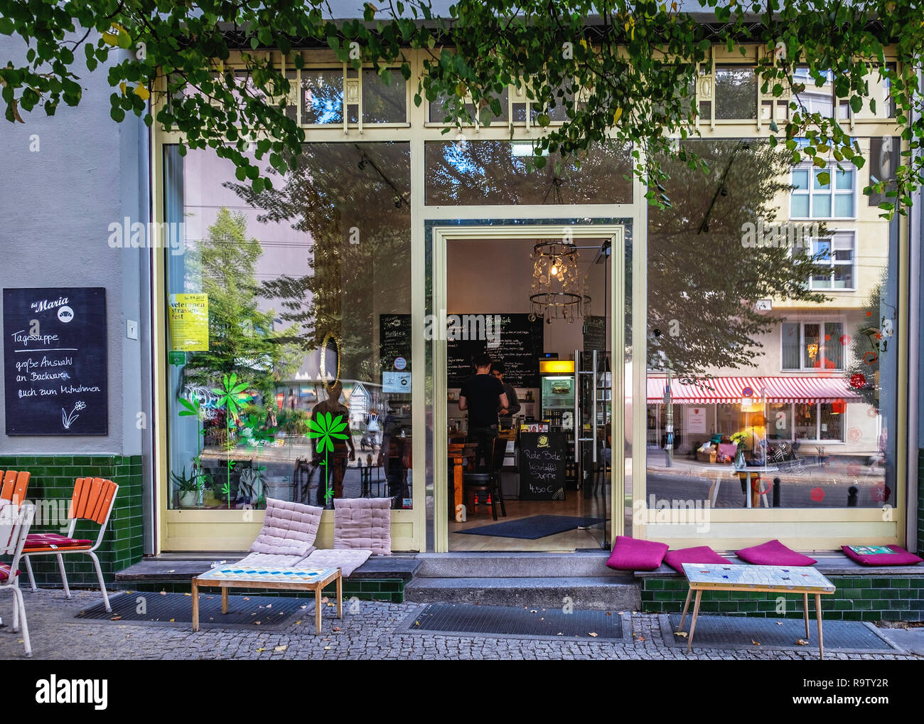 Berlin, Mitte,Bei Maria coffee shop and breakfast venue in Veteran street. Exterior view - Stock Image