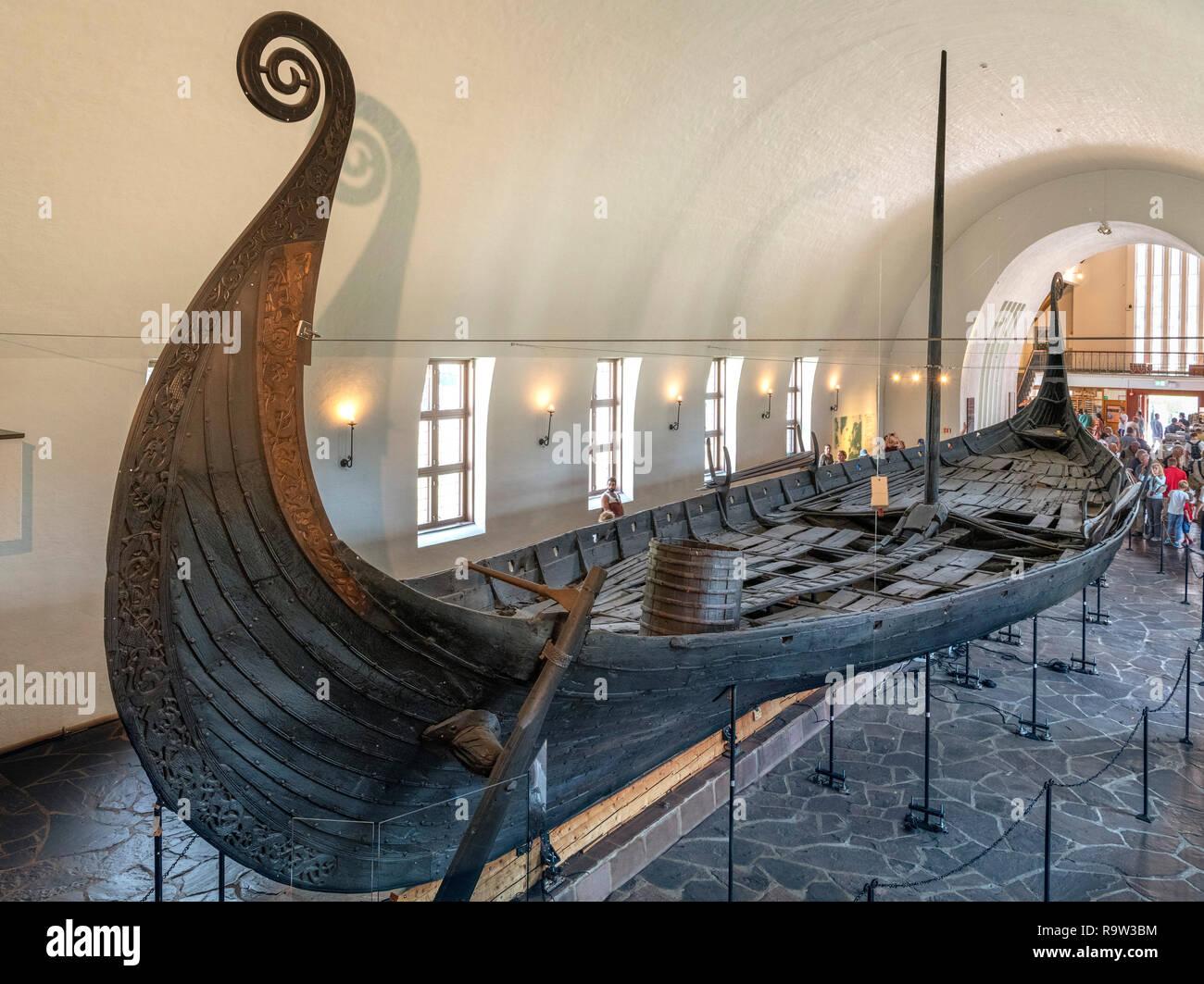 The Oseberg Ship (Osebergskipet) in the Viking Ship Museum (Vikingskipshuset), Bygdøy, Oslo, Norway - Stock Image