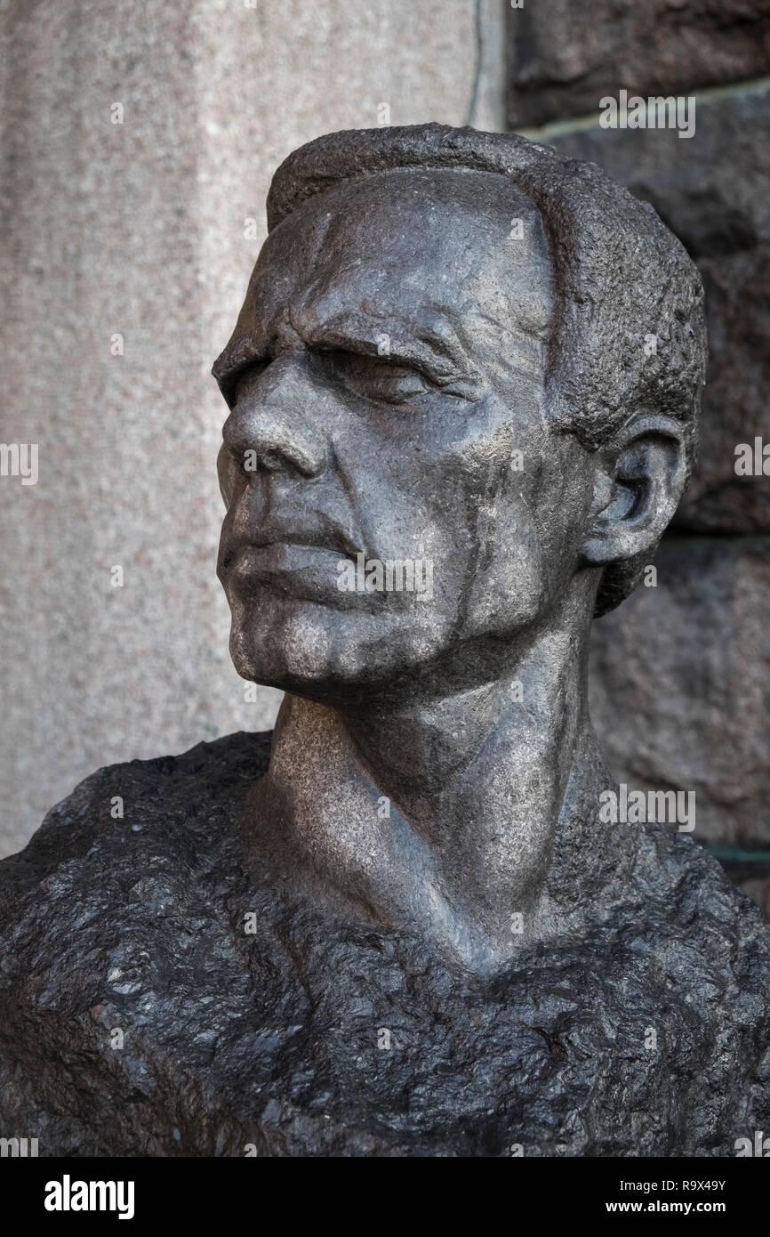 Head sculpture of Gustav Sandberg, Swedish artist and sculptor, outside City Hall (Stadshuset), Stockholm, Sweden. Stock Photo