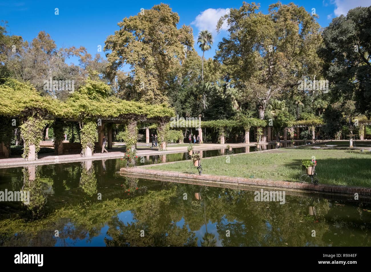 Gardens Inside Maria Luisa Park Parque De Maria Luisa Seville