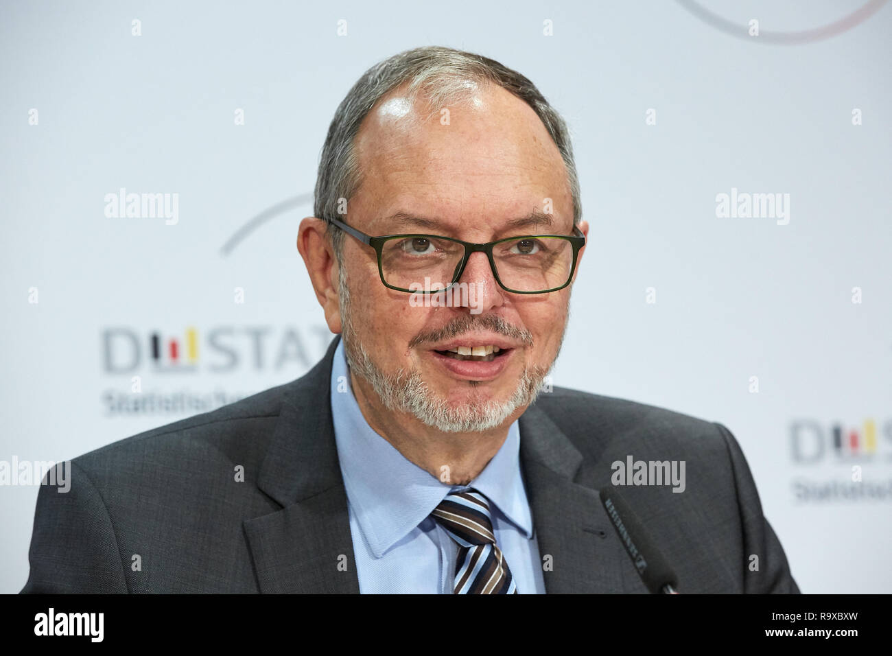 18.10.2018, Berlin, Deutschland - Dr. Georg Thiel -Praesident des Statistischen Bundesamtes. 00R181018D030 [MODEL RELEASE: NO, PROPERTY RELEASE: NO (c - Stock Image