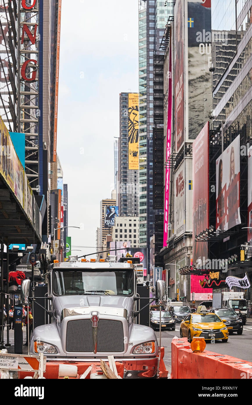New York, USA - June 28, 2018: Kenworth Truck parked in crowded downtown New York. - Stock Image