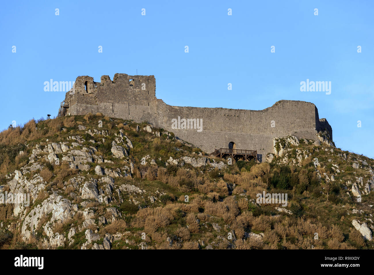 Ruins of the medieval Château de Montségur castle on hilltop, stronghold of the Cathars in the Ariège department, Occitanie, France - Stock Image