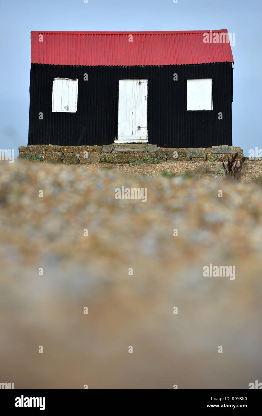 Old fishing hut on Rye Harbour beach, East Sussex. UK - Stock Image