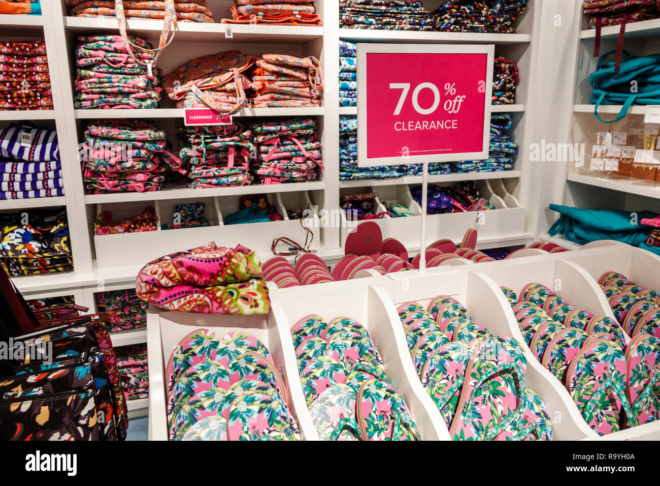Fort Ft. Lauderdale Florida Sunrise Sawgrass Mills Mall shopping Vera Bradley inside quilted cotton display sale promotion 70% clearance bags flip flo - Stock Image