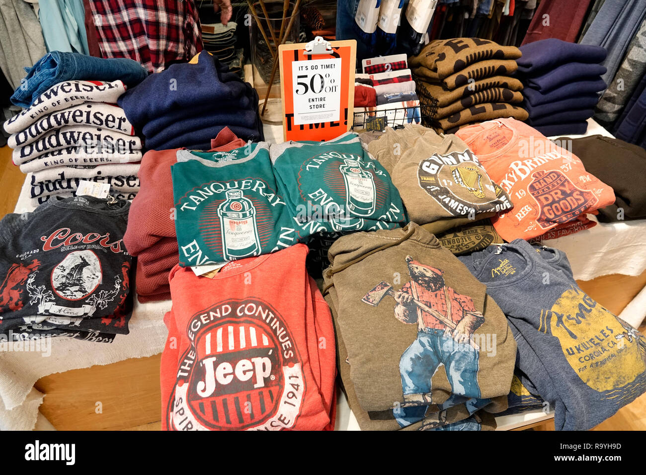 Fort Ft. Lauderdale Florida Pembroke Pines Shops At Pembroke Gardens mall shopping Lucky Brand Jeans inside tee shirts promotion 50% - Stock Image