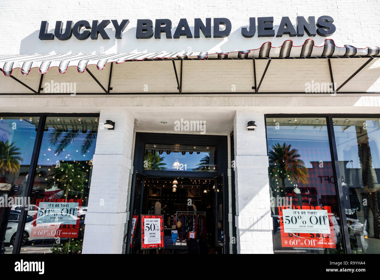 f457a9a8eff Fort Ft. Lauderdale Florida Pembroke Pines Shops At Pembroke Gardens mall  shopping Lucky Brand Jeans