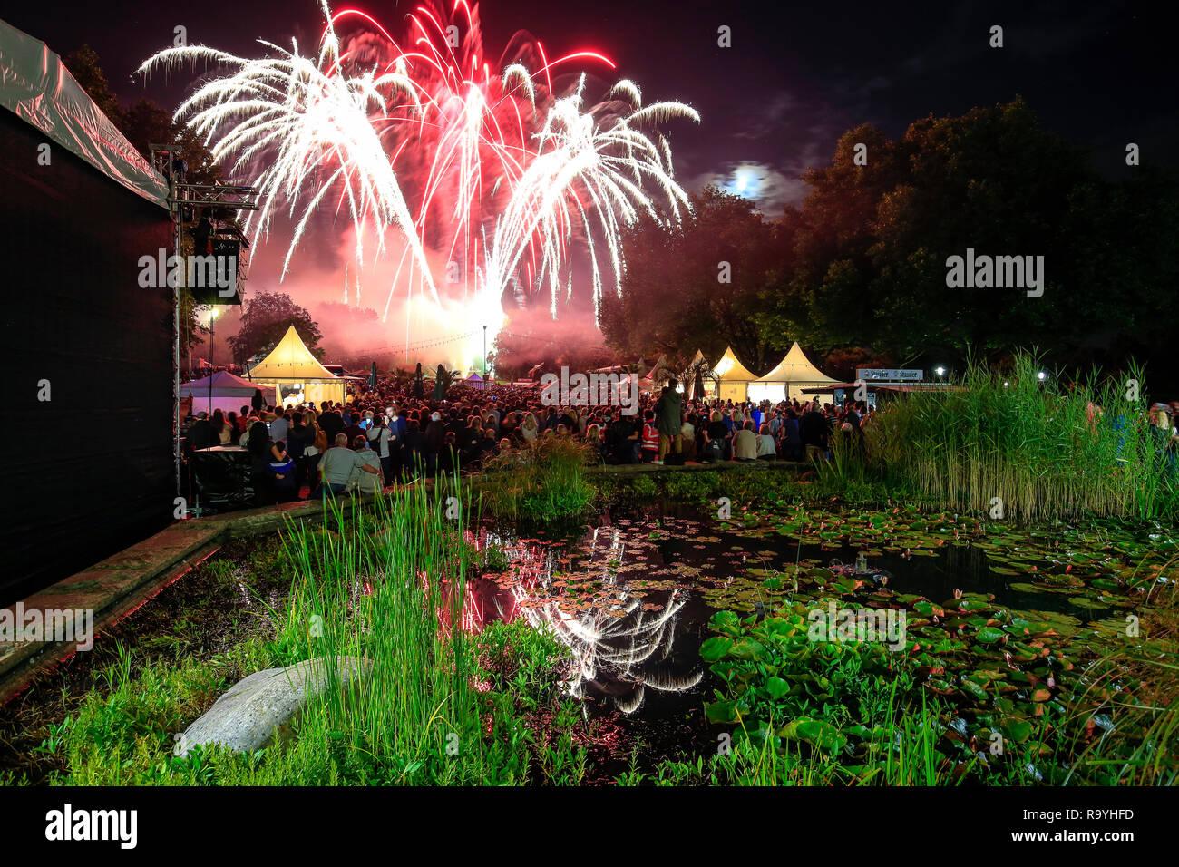 13.08.2016, Essen, Nordrhein-Westfalen, Ruhrgebiet, Deutschland - Parkfest im Grugapark, hier anlaesslich der Essen 2017 Gruene Hauptstadt Europas. 00 - Stock Image