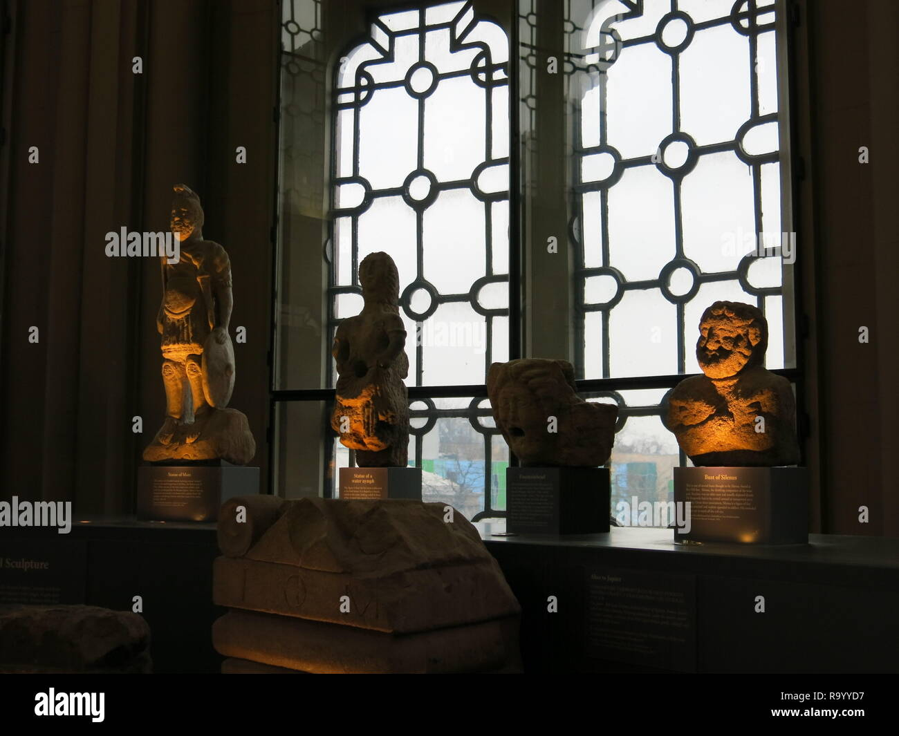 Roman artefacts in the sculpture gallery at the Hunterian Museum, University of Glasgow - Stock Image
