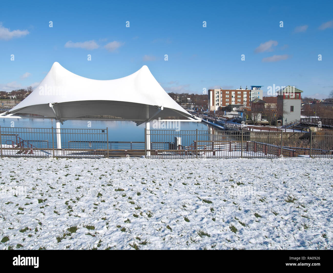 Syracuse, New Yiork, USA. December 25, 2018.  The Inner Harbor in Syracuse , New York, a popular park and event area near Destiny USA shopping complex - Stock Image
