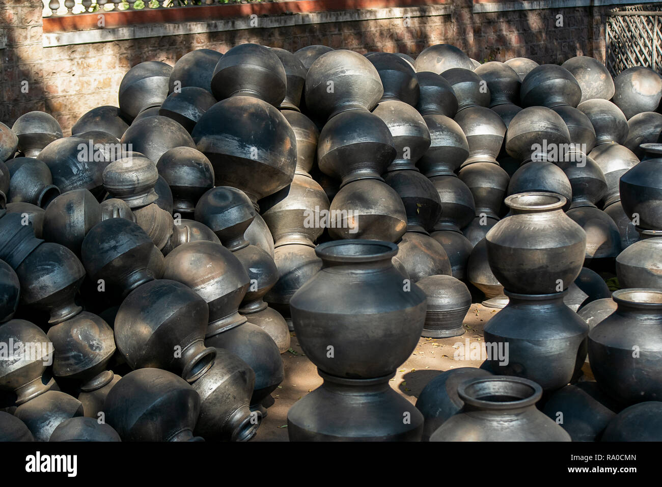Indian Cooking Pots High Resolution Stock Photography And Images Alamy,How To Clean Fish Tank Filter Sponge