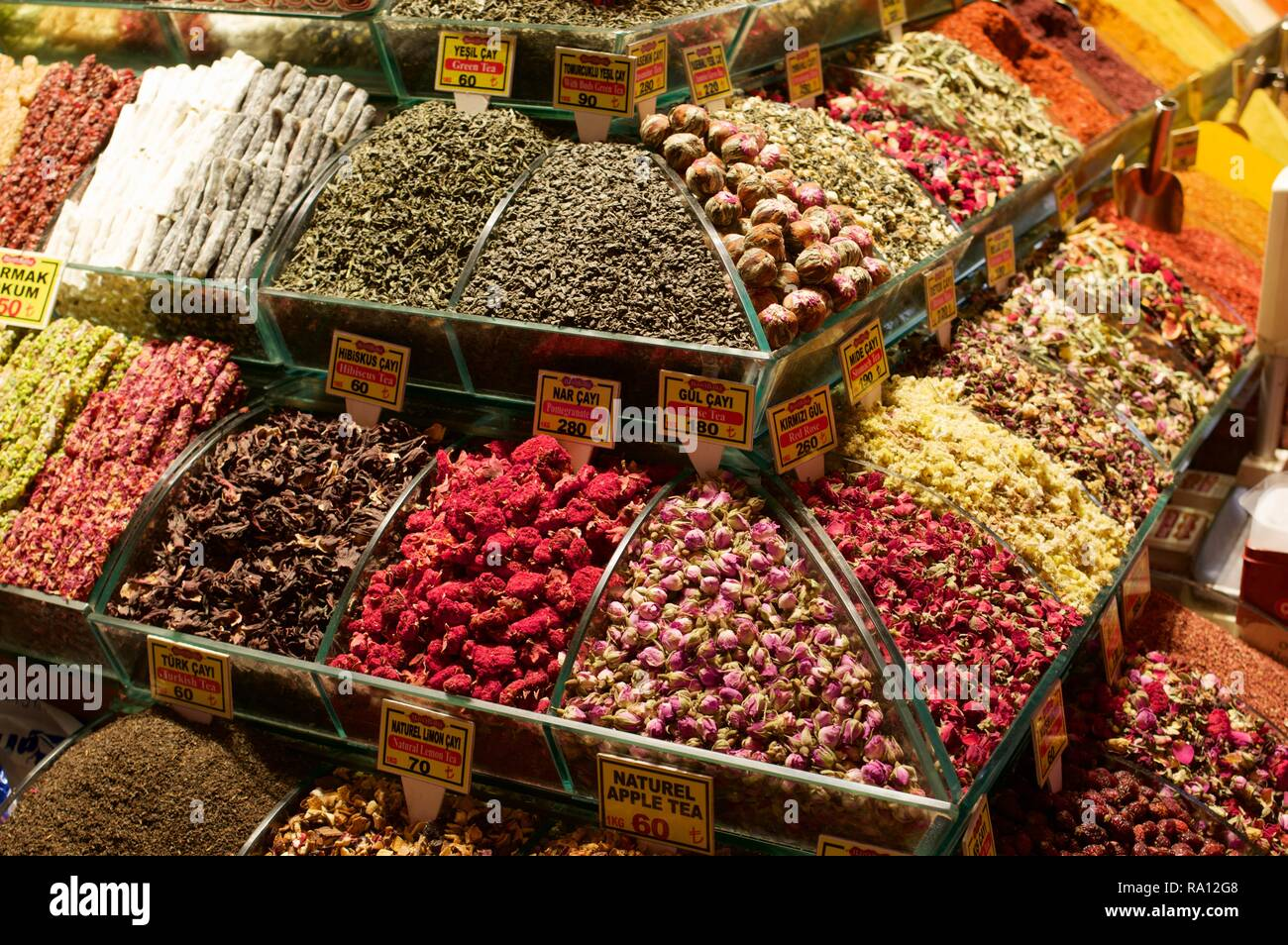 Herbal teas on sale at the Egyptian bazaar, Istanbul - Stock Image