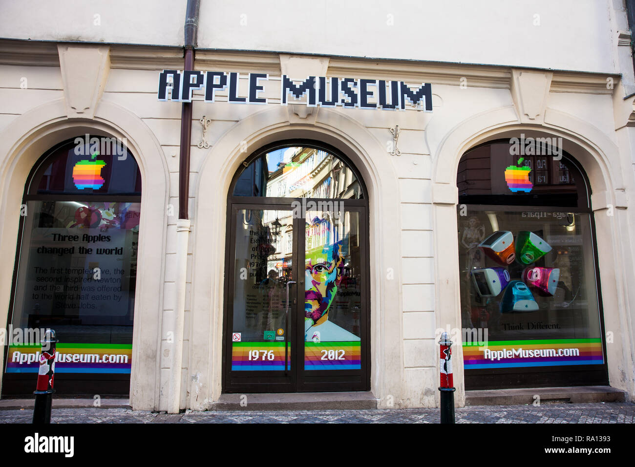 PRAGUE, CZECH REPUBLIC - APRIL, 2018: Facade of the Apple Museum at the Old Twon in Prague - Stock Image