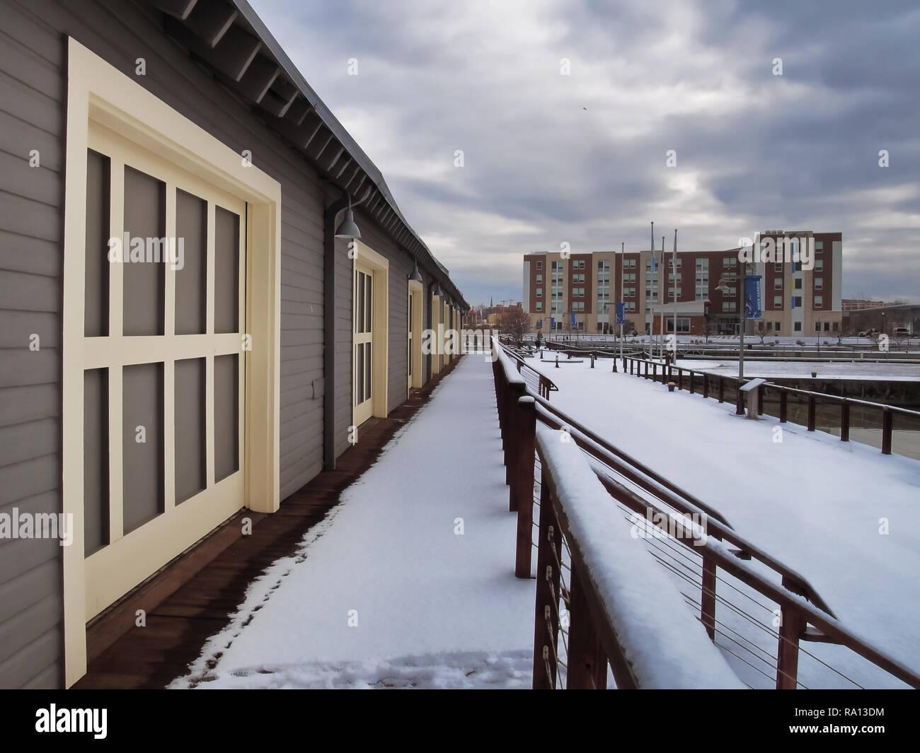 Syracuse, New Yiork, USA. December 25, 2018.  The Inner Harbor in Syracuse , New York, a popular public park and recreation area on Onondaga Lake - Stock Image