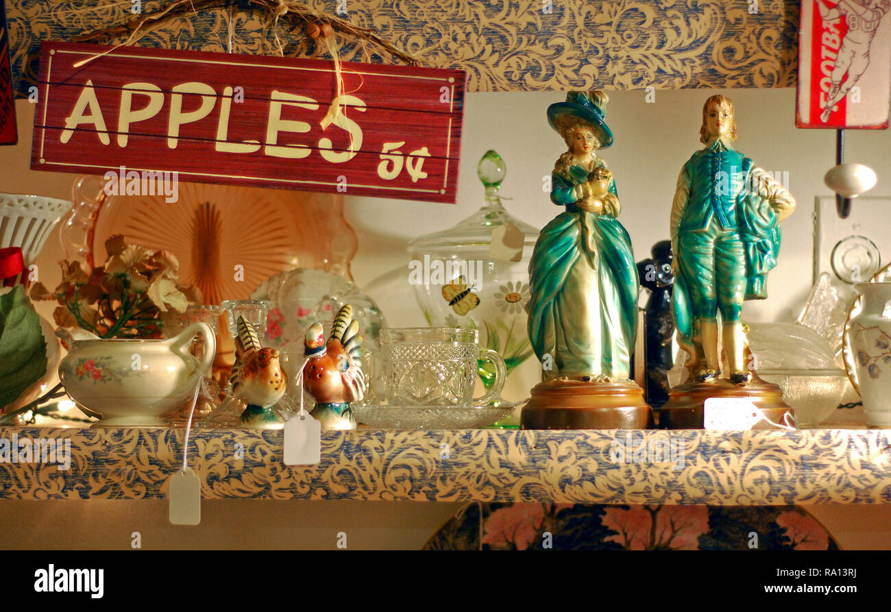 Assorted collectibles sit on a shelf on Jan. 9, 2011 at the Antique Mall of Meridian in Meridian, Mississippi. - Stock Image