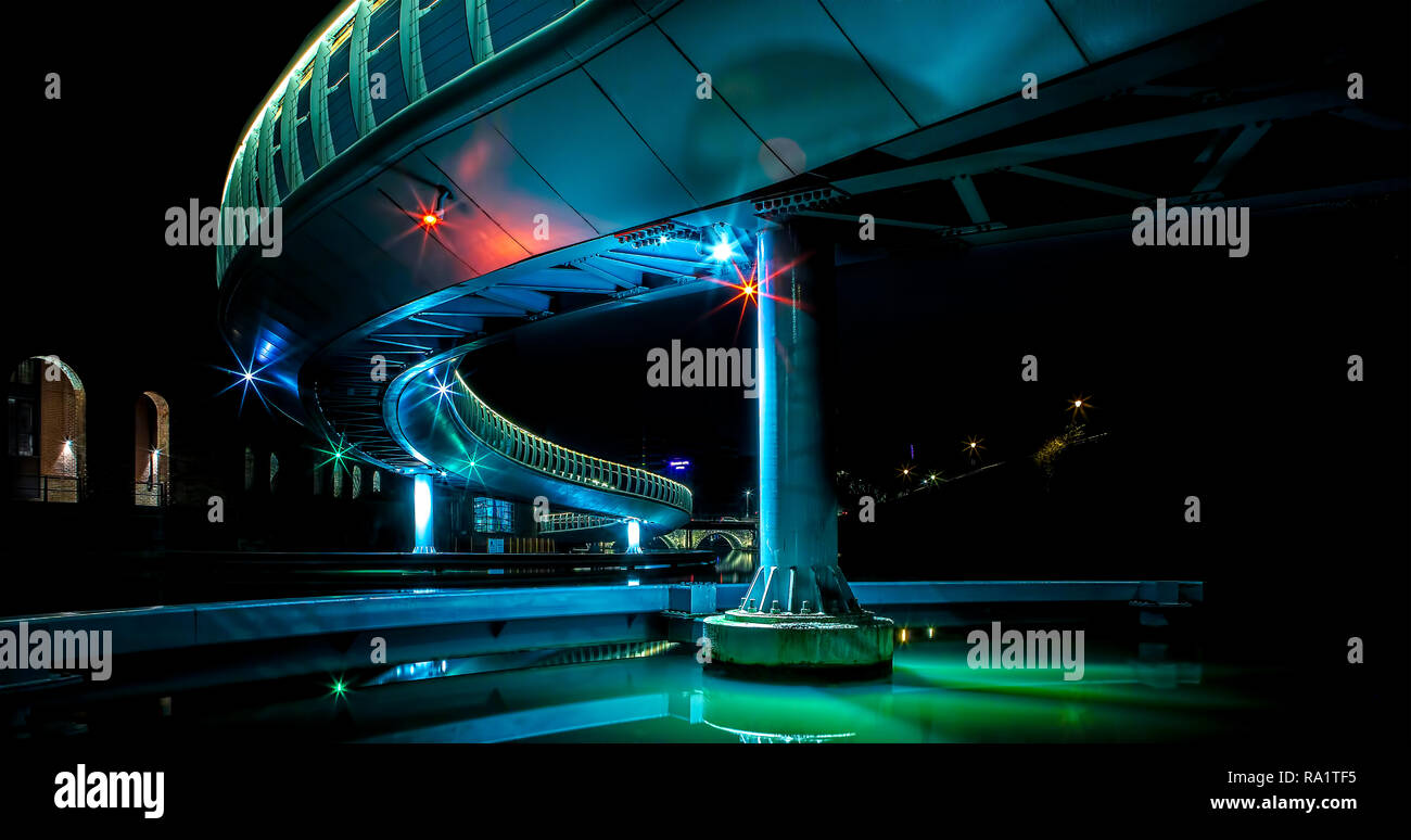 Castle Bridge at Finzels Reach in Bristol city centre by night - Stock Image