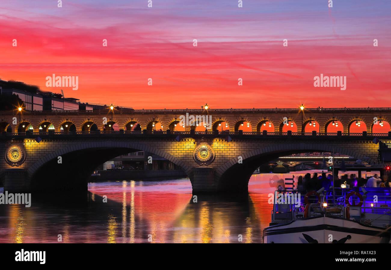The Bercy bridge at sunset, Paris, France - Stock Image