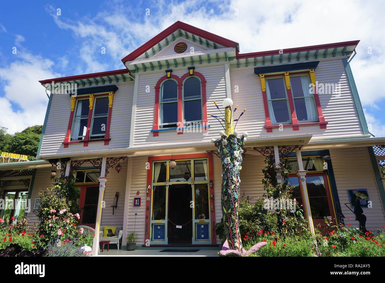 An Enchanting Bed & Breakfast Place in Akaroa, South Island, New Zealand - Stock Image