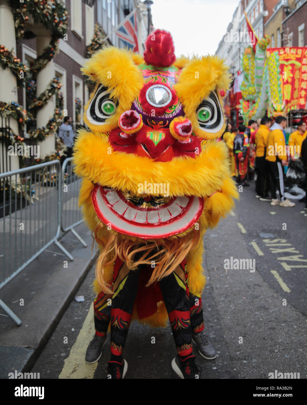 London UK 01.January.2019 The first parade was  in 1987 with 2,000 performers, but the event has grown and promises over 10,000 participants, for the 2019 Parade , from the USA, UK, Europe and beyond, to the delighted of street  packed with families for the annual event audience of over 500,000 and a TV audience, which reached more than 300,000,000 in 2018. Credit: Paul Quezada-Neiman/Alamy Live News - Stock Image