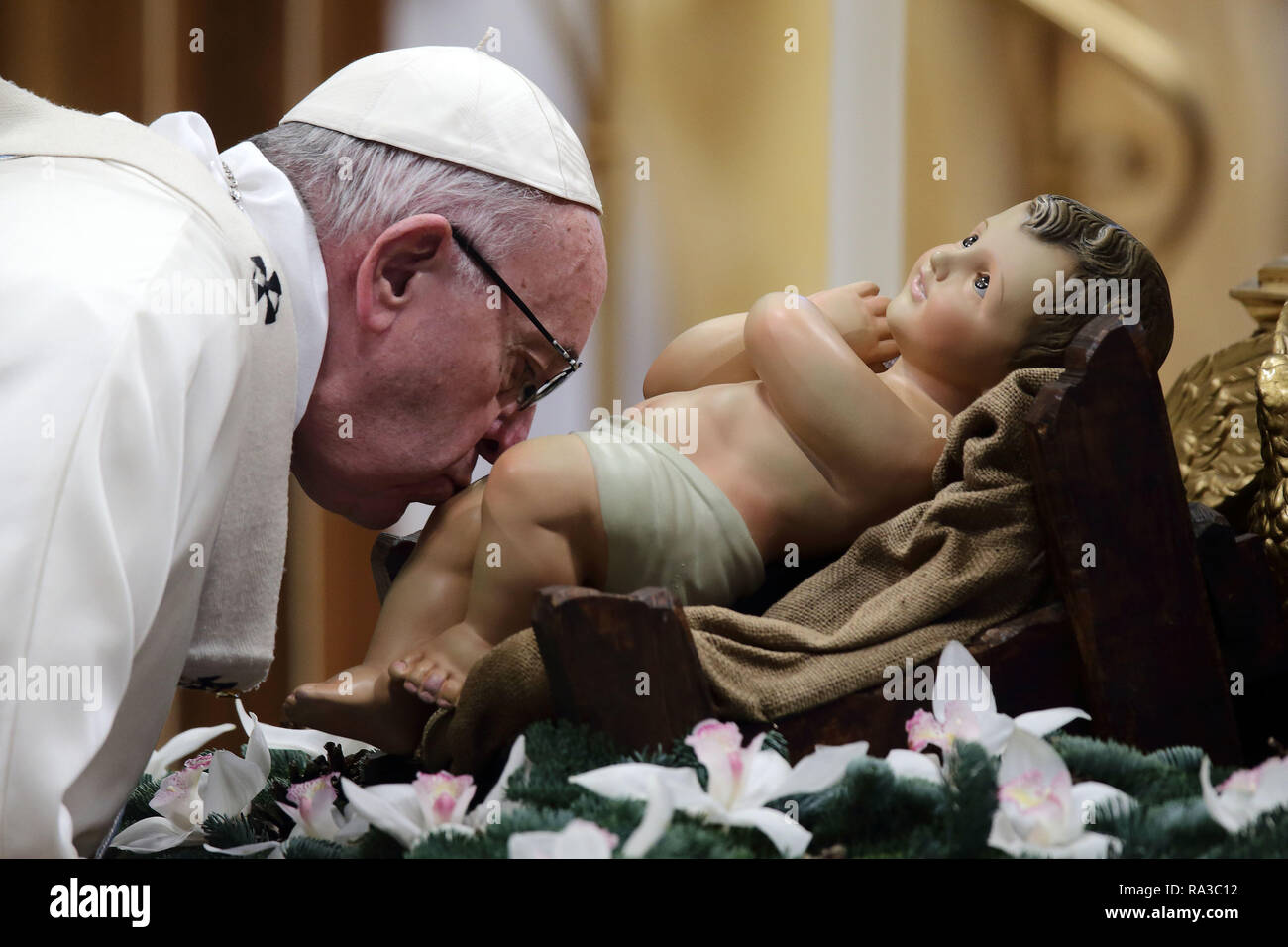 Vatican City. January 1, 2019 - Vatican City (Holy See) POPE FRANCIS celebrates mass in the solemnity of Mary Most Holy in St. Peter's Basilica at the Vatican. Credit Image: © Evandro Inetti via ZUMA Wire) Credit: Evandro Inetti/ZUMA Wire/Alamy Live News - Stock Image