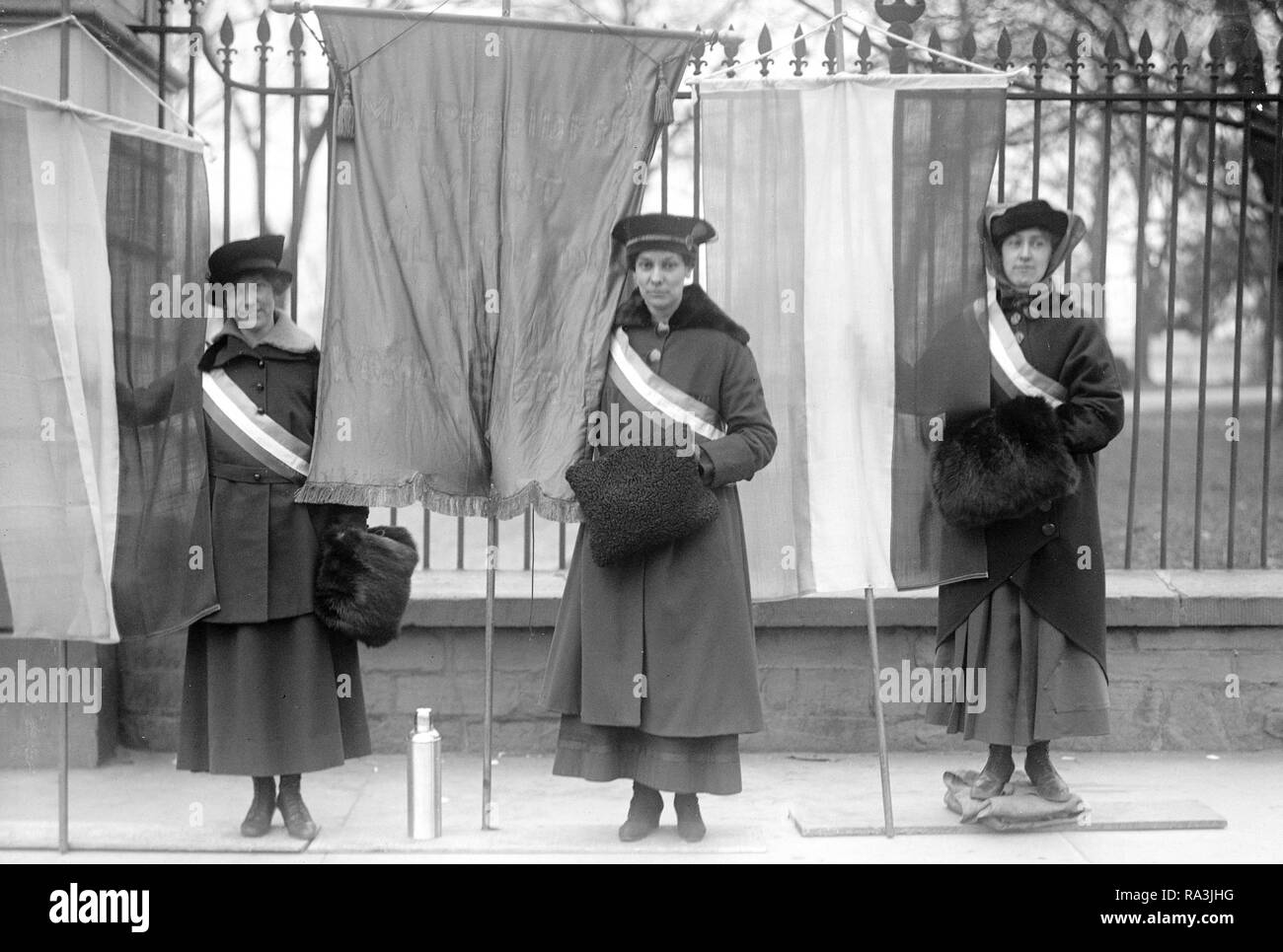 Woman suffrage picketers ca. 1917 Stock Photo