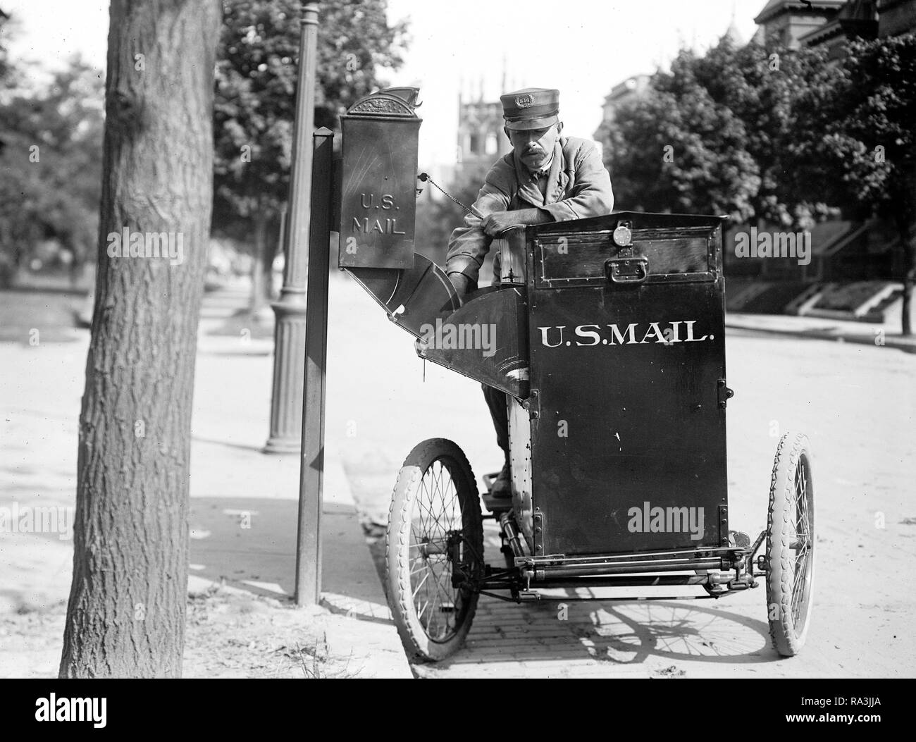 Motorcycle Delivery Service Stock Photos Amp Motorcycle