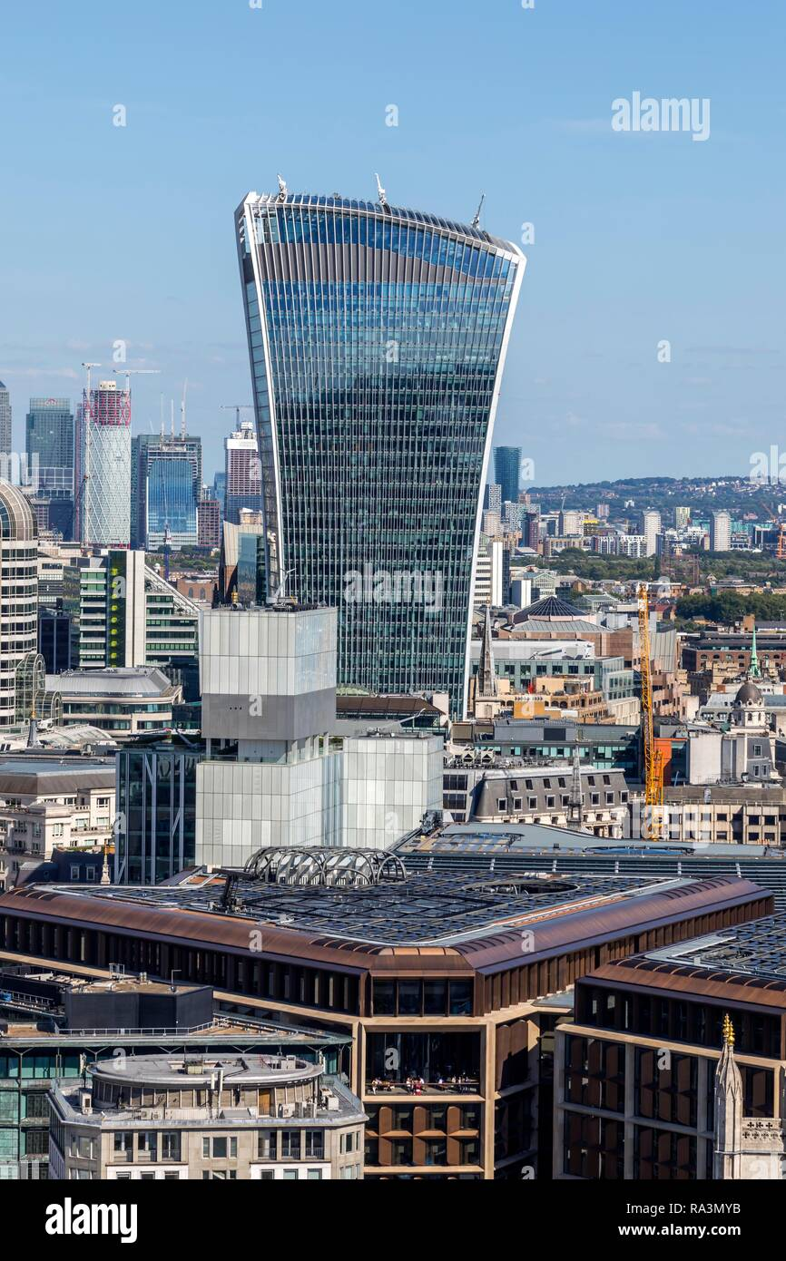 Office tower 20 Fenchurch Street, also called The Walkie-Talkie or The Pint, London, United Kingdom - Stock Image