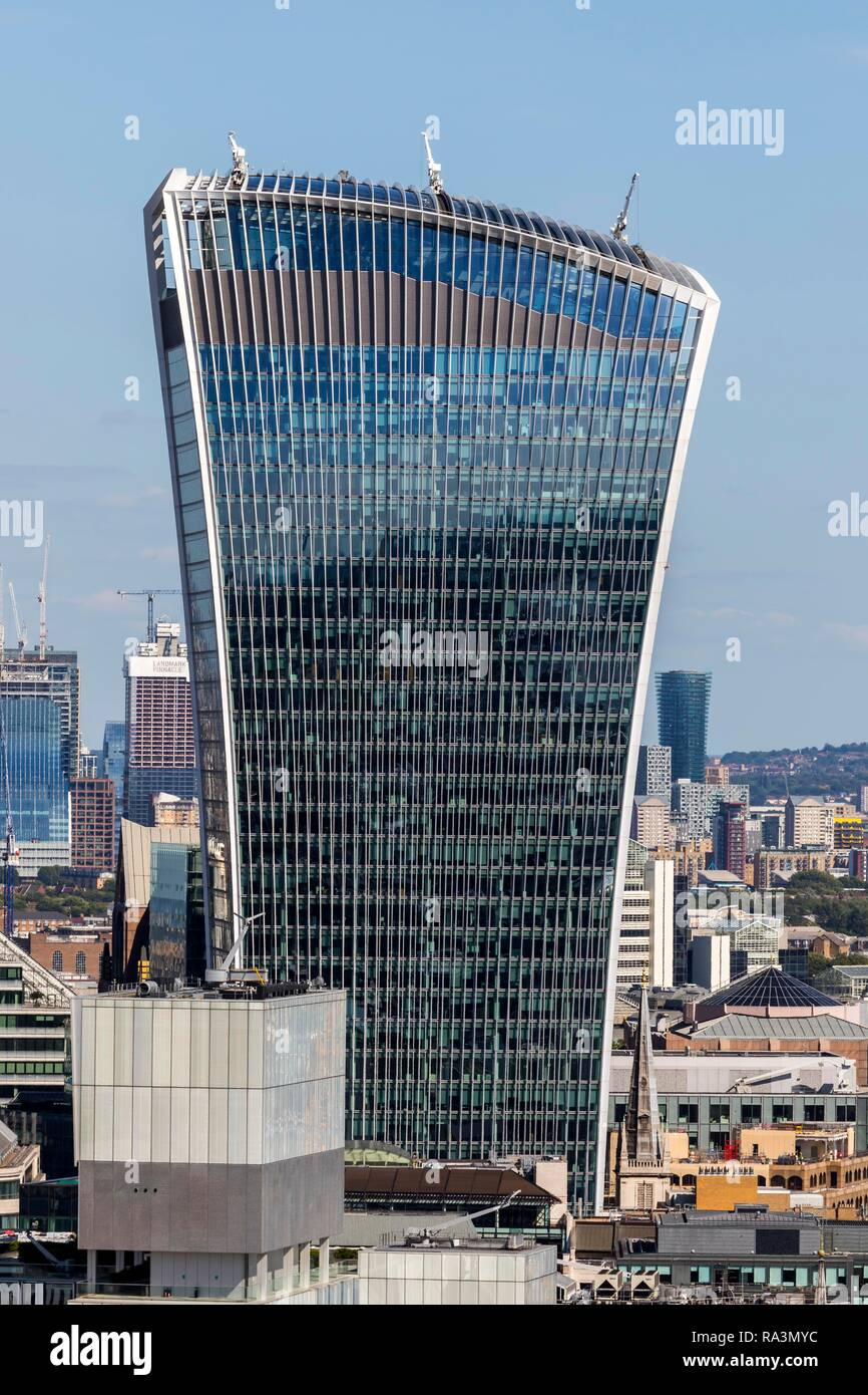 Office tower 20 Fenchurch Street, also called The Walkie-Talkie or The Pint, London, Great Britain - Stock Image