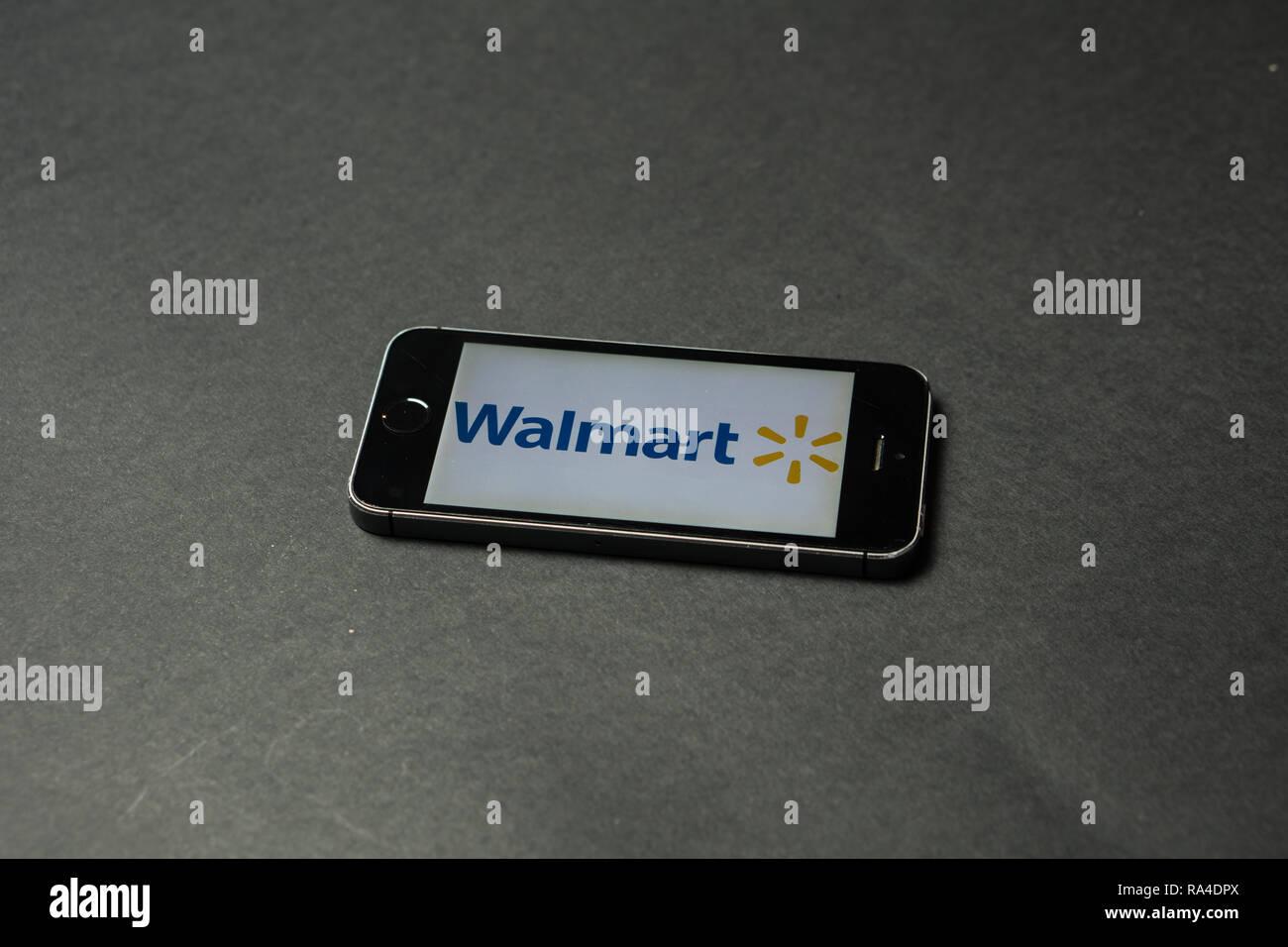 Walmart Stock Phone Number >> Walmart Logo On A Phone Screen Slovenia December 23th 2018 Stock