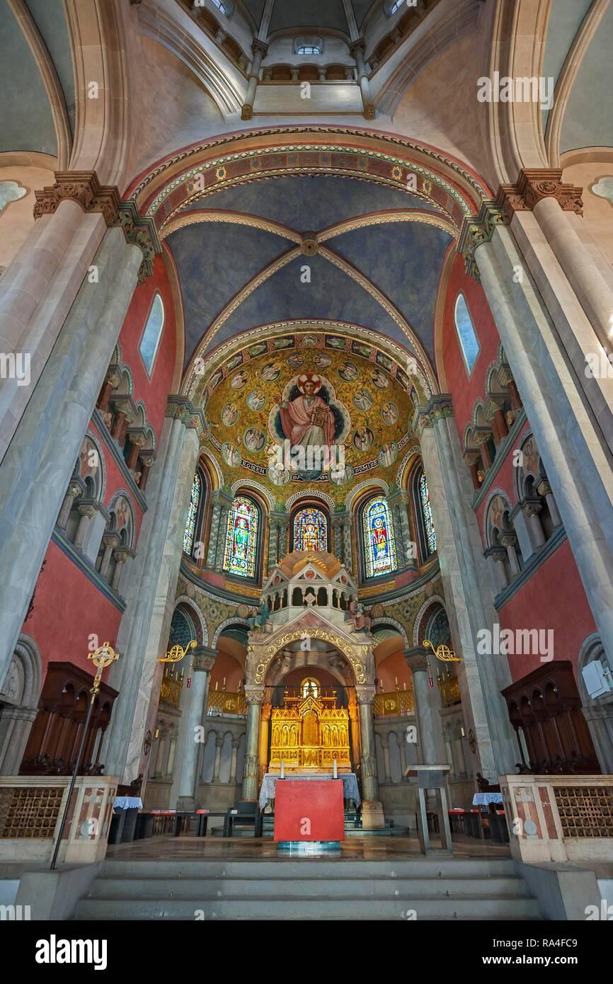 Main altar, parish church St. Benno, Neo-Romanesque, Munich, Upper Bavaria, Bavaria, Germany - Stock Image