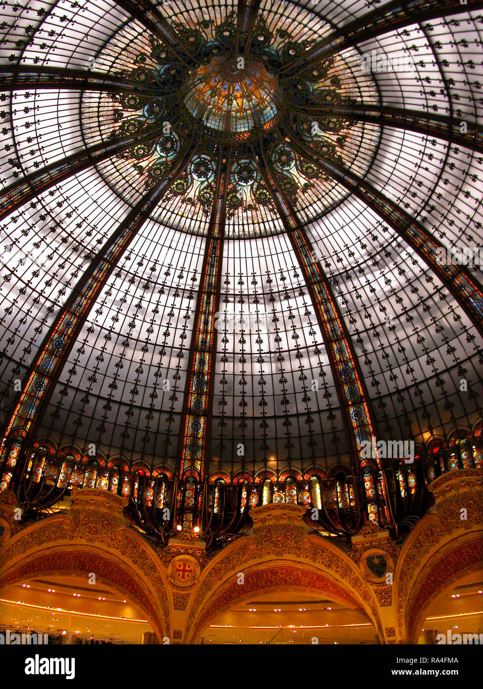 Galaries Lafayette and the stunning stained glass cuplola, 40 Boulevard Haussmann, Paris, France Stock Photo