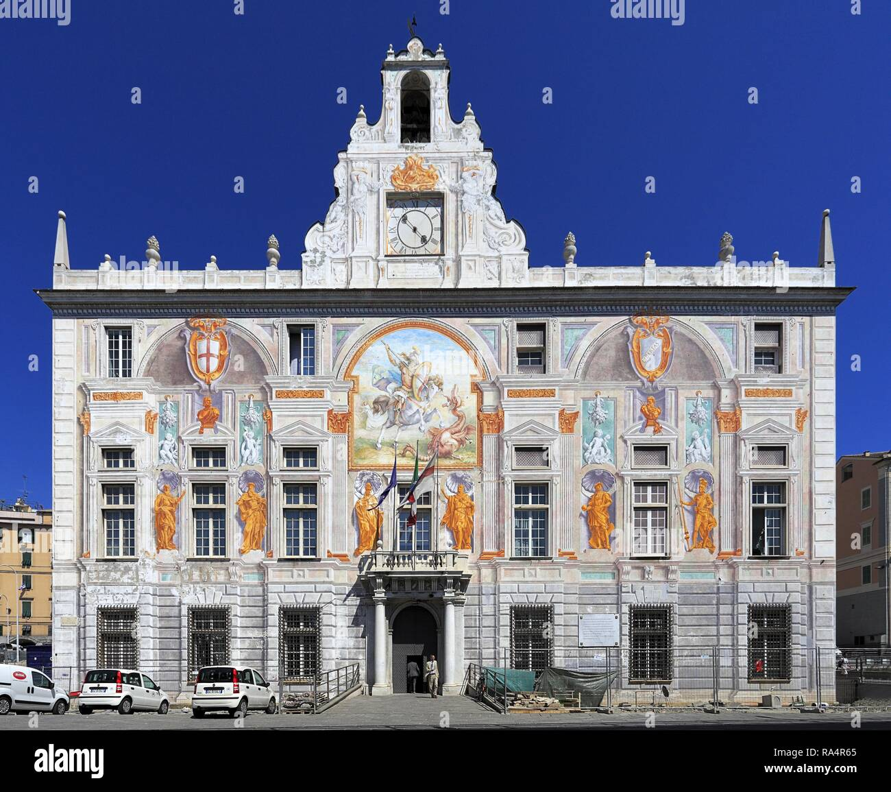 Wlochy - Liguria - Genua - Palac sw. Jerzego - Palazzo San Giorgio przy placu Piazza Caricamento Italy - Liguria - Genoa -  Saint George Palace by the Piazza Caricamento square - Stock Image
