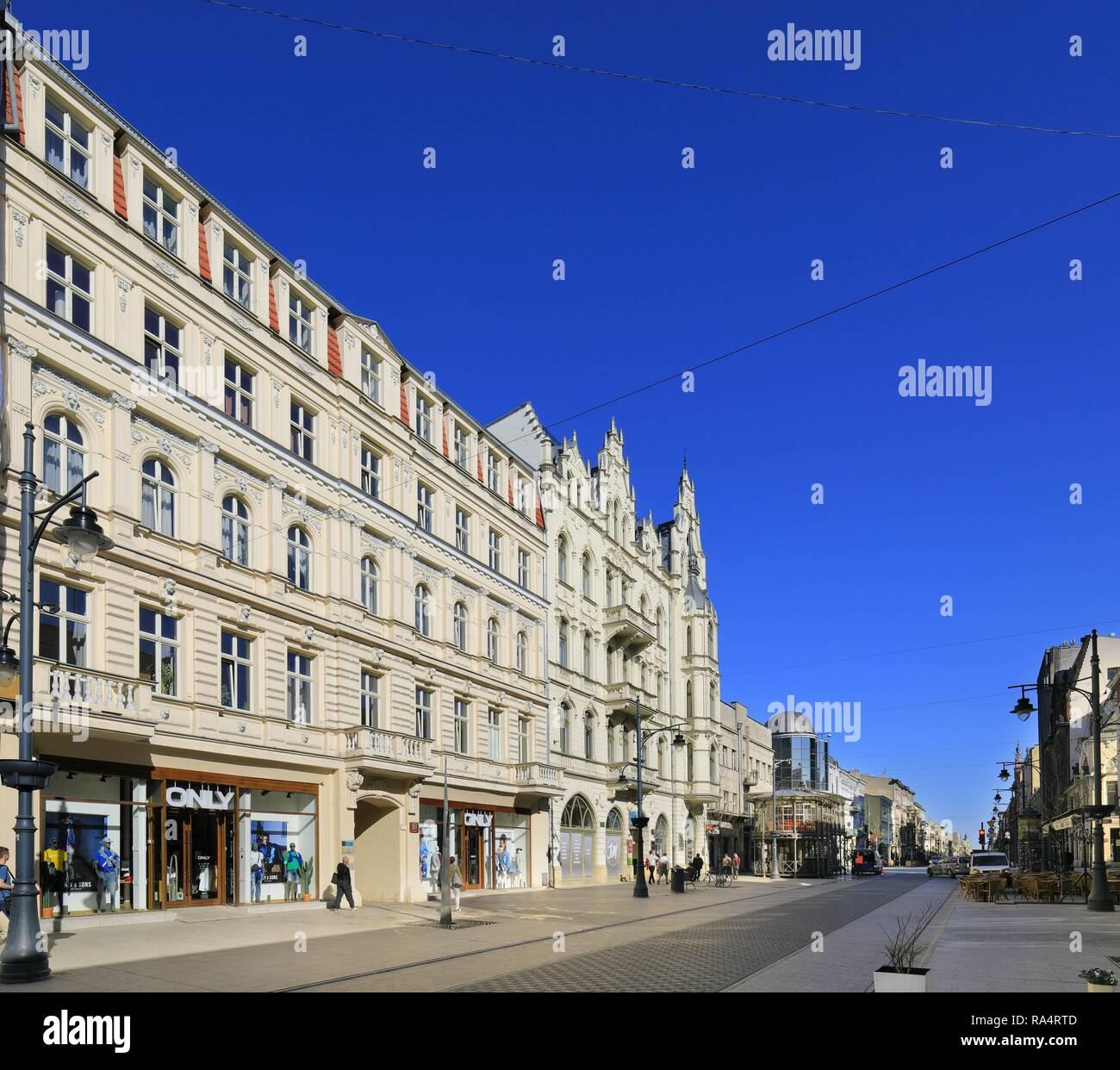 Lodz, XIX-wieczne kamienice, ulica Piotrkowska Lodz, Poland - Historic quarter of Lodz and Piotrkowska street with XIX century tenements - Stock Image