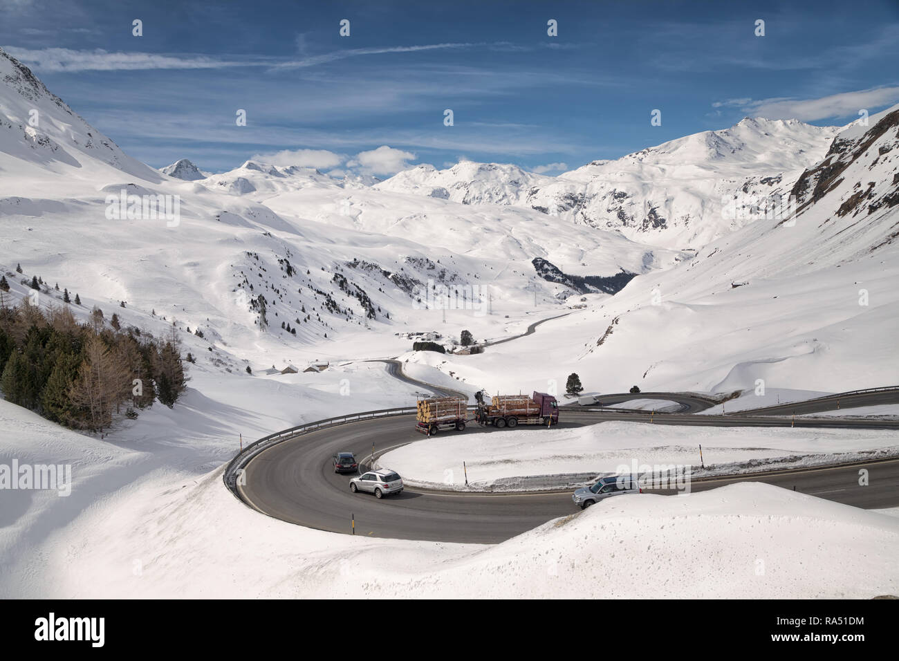 curve on julier pass - Stock Image