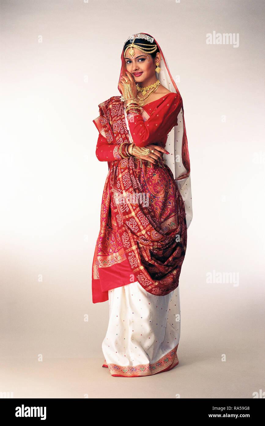 Gujarati Bride Stock Photos & Gujarati Bride Stock Images
