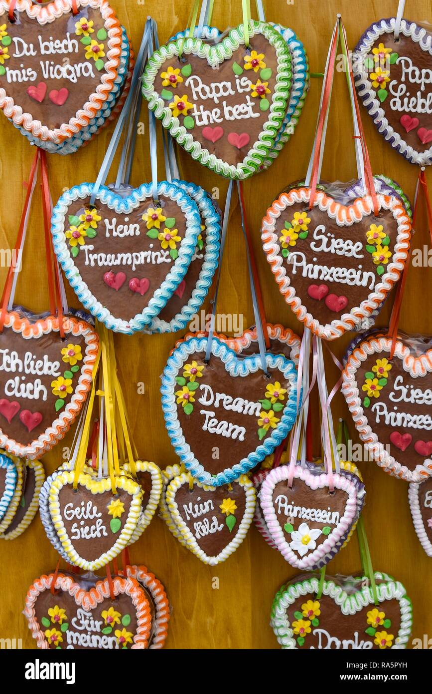 Gingerbread hearts with sayings, Switzerland - Stock Image
