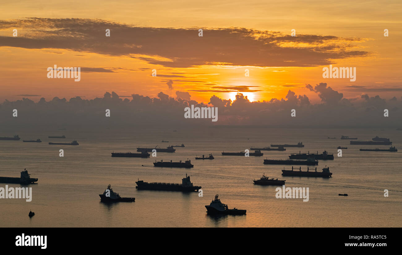 Shipping on the Straits of Singapore - Stock Image