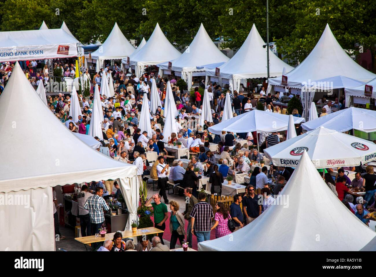 Rue-Genuss, catering and cooking festival in Essen-Ruettenscheid, with over 20 restaurants, bars, cafes offering food and live - Stock Image