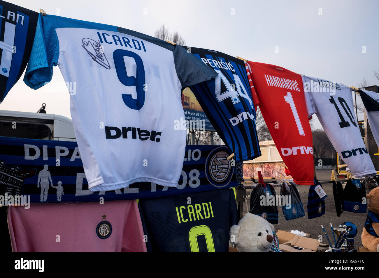 Milan, Italy. 1st January, 2019. Milan, Inter and Juventus t-shirts and gadgets for sale at a street vendor in front of the San Siro stadium, on January 01 2019 Credit: Mairo Cinquetti/Alamy Live News Stock Photo