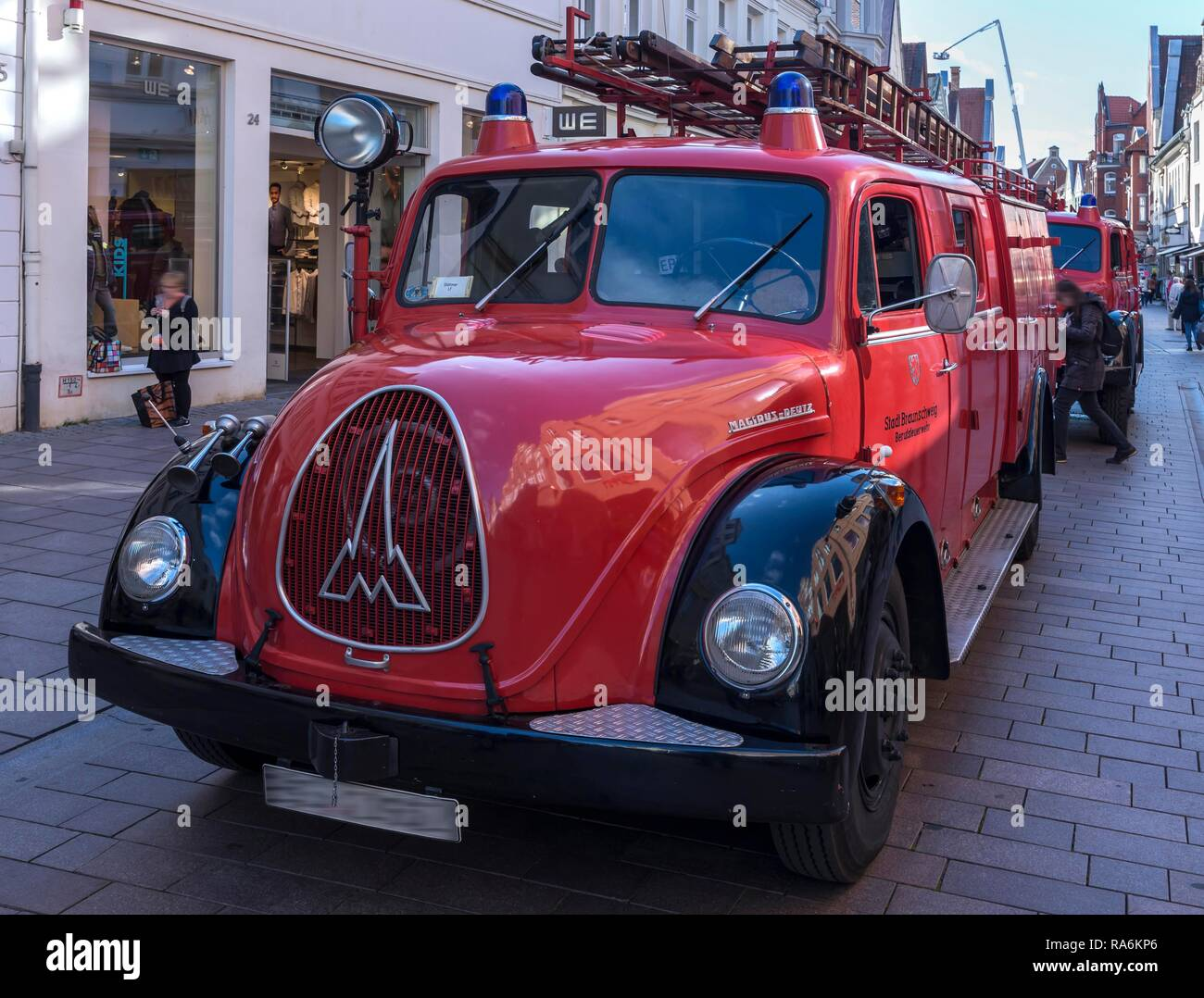 Oldtimer, fire engine Magirus Deutz, built 1950s, 150th anniversary of the state fire brigade association of Lower Saxony - Stock Image