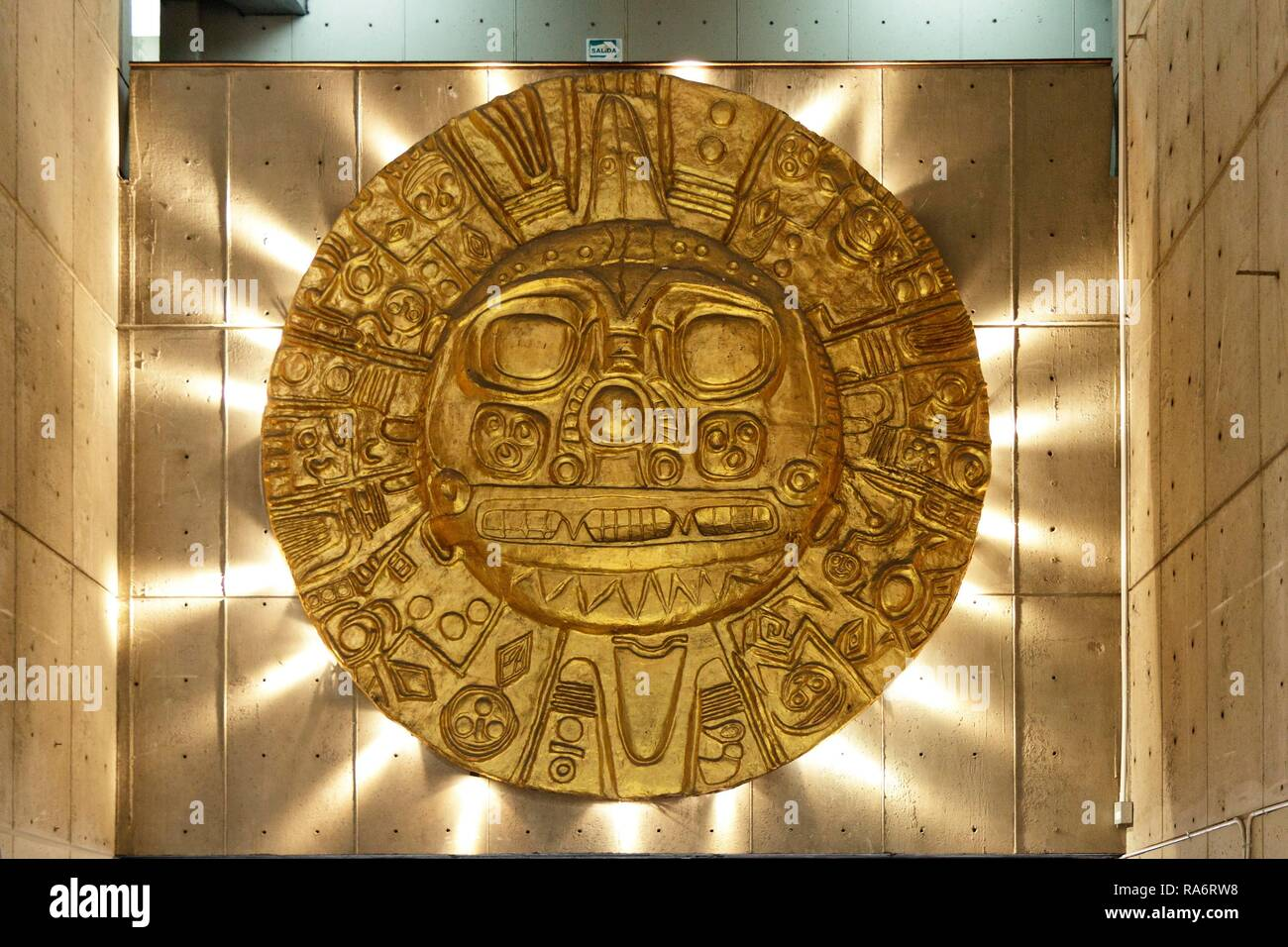 Golden Inca artefact in the National Museum, Lima, Peru - Stock Image