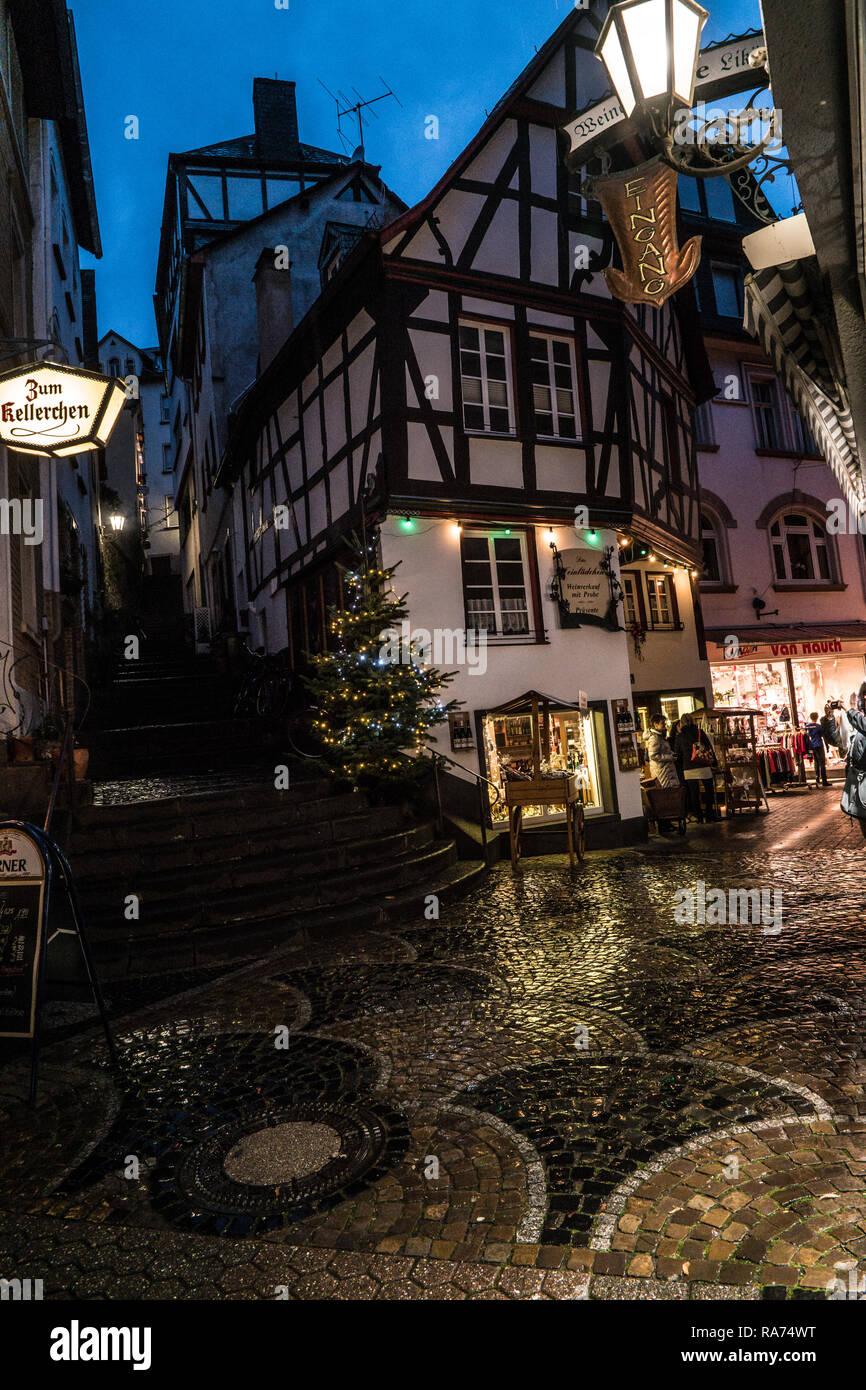 Cochem Weihnachtsmarkt.Christmas Market At Cochem Germany Stock Photo 230038868 Alamy