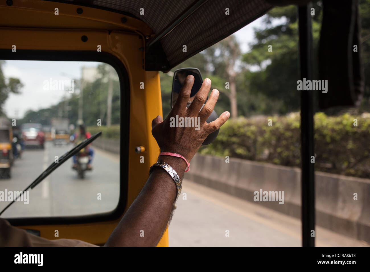 India Road Accident Stock Photos & India Road Accident Stock