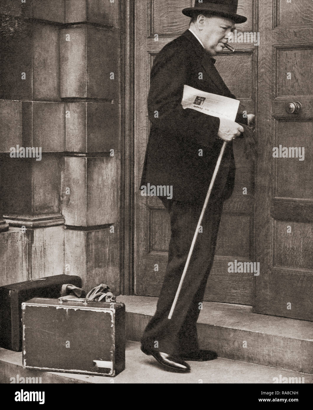 Winston Churchill, seen here returning to the admirality in 1939 after being appointed First Lord of the Admiralty following the outbreak of the Second World War.  Sir Winston Leonard Spencer-Churchill, 1874 –1965. British politician, statesman, army officer, and writer, who was Prime Minister of the United Kingdom from 1940 to 1945 and again from 1951 to 1955. - Stock Image