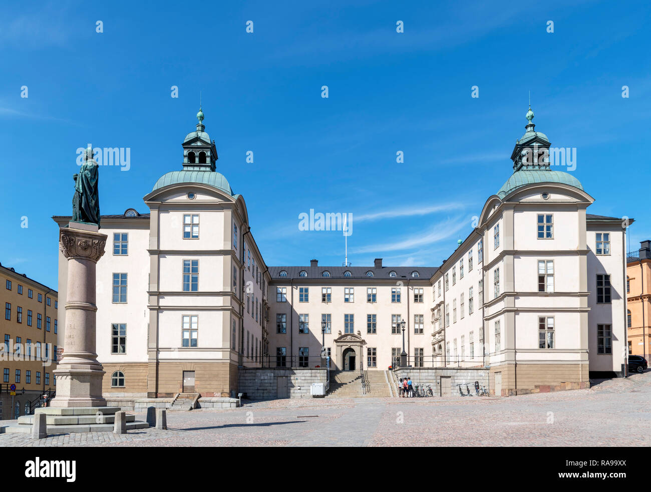 The Wrangel Palace, the seat of the Svea Court of Appeal, with the statue of Birger Jarl on left, Birger Jarls torg, Riddarholmen, Stockholm, Sweden - Stock Image