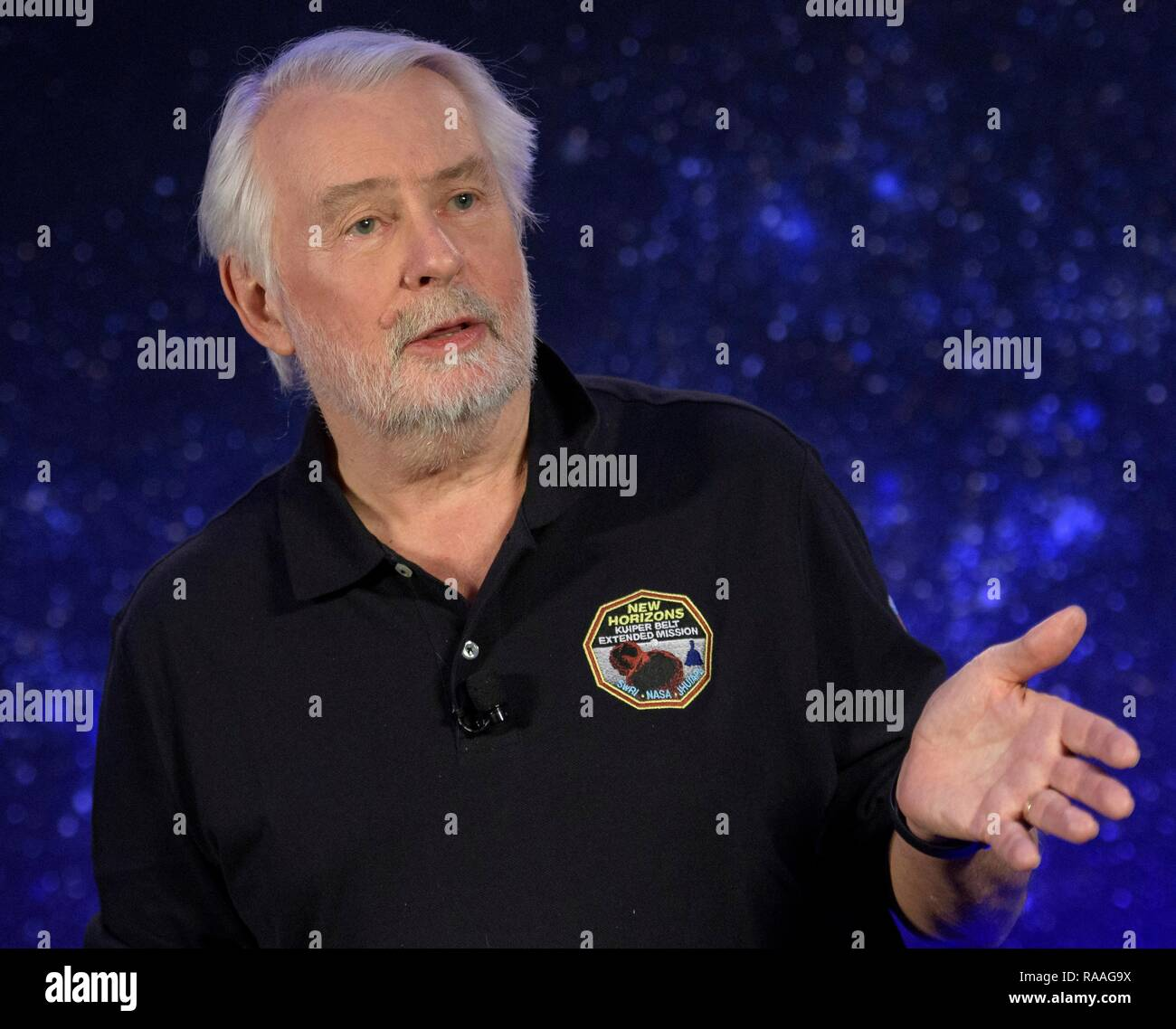 Geoff Haines-Stiles, writer, producer, director, Passport to Knowledge, discusses documenting during the press conference prior to the expected flyby of Ultima Thule by the New Horizon spacecraft at Johns Hopkins University Applied Physics Laboratory December 31, 2018 in Laurel, Maryland. The flyby by the space probe occurred 6.5bn km (4bn miles) away, making it the most distant ever exploration of an object in our Solar System. - Stock Image